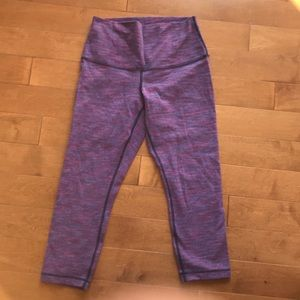 Lululemon cropped leggings Size 6.